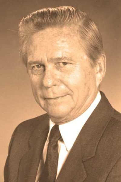 OC native Gregory, prominent business leader, dies