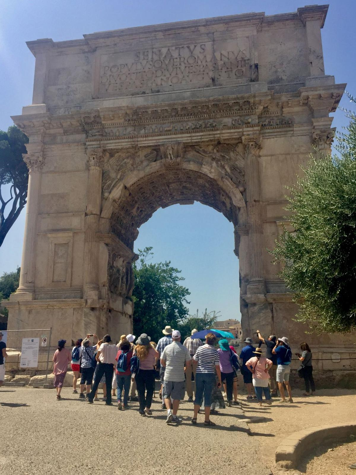 """Entrance to the """"Titus Arch"""""""
