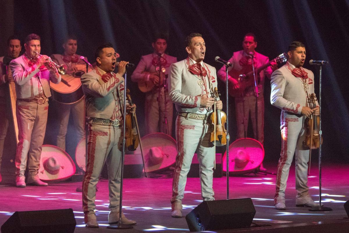 Merry Achi Christmas 2020 Mariachi Sol de México® perform Merry Achi Christmas Concert