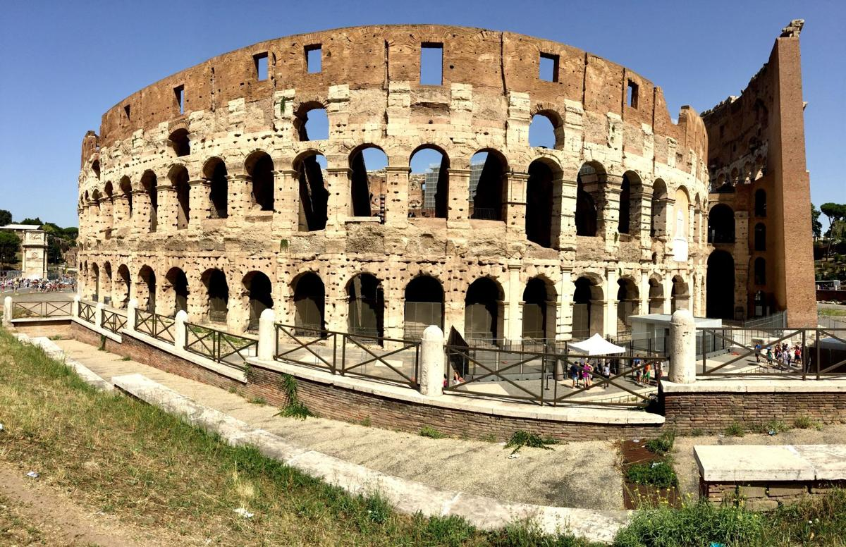 Photo 2 the Colosseum