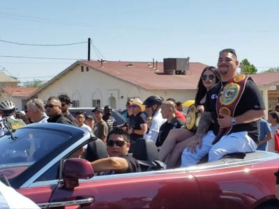 Heavyweight champ receives hometown welcome in parade & rally