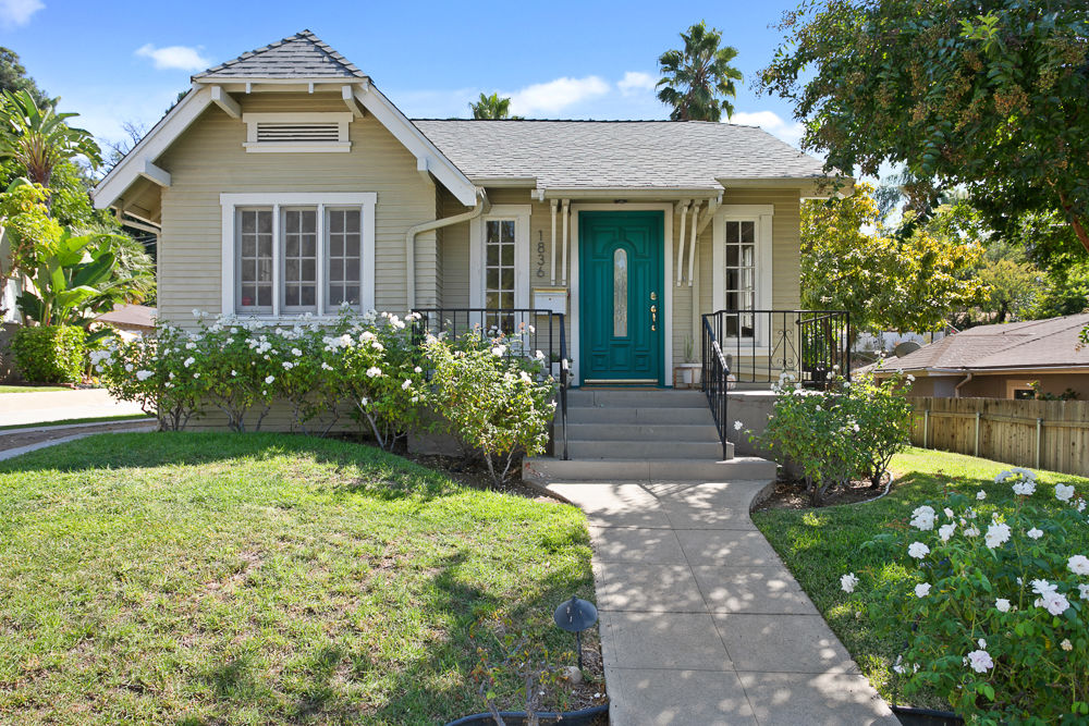 CHARISMATIC CA BUNGALOW COMPOUND IN HOT HIGHLAND PARK! image 2