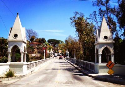 Neighborhood Fixture: The Shakespeare Bridge of Los Feliz