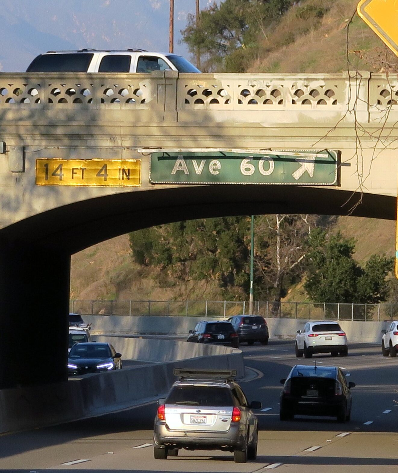 Avenue 60 exit sign