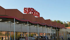 Highland Park preservationists rally to save a Googie-style supermarket