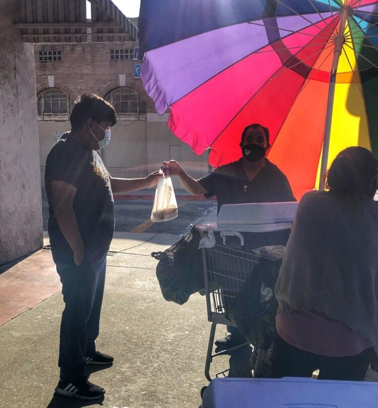 Shade and color for a tamale vendor