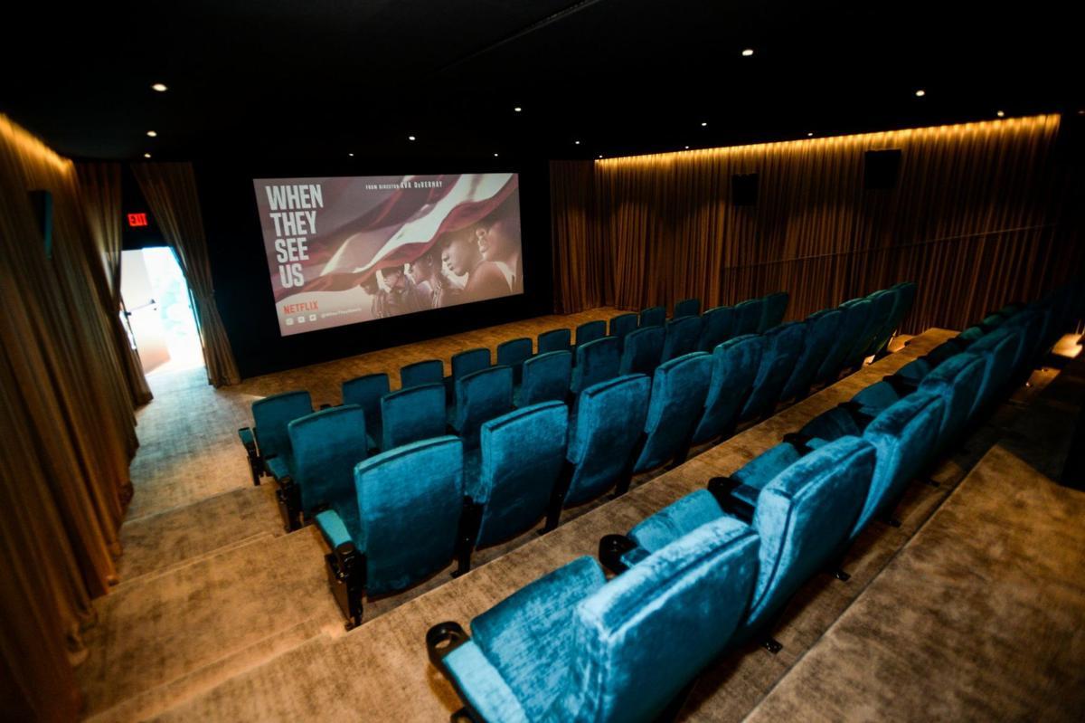 ARRAY Amanda Theater