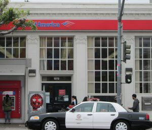 Attempted robbery reported at Echo Park bank *