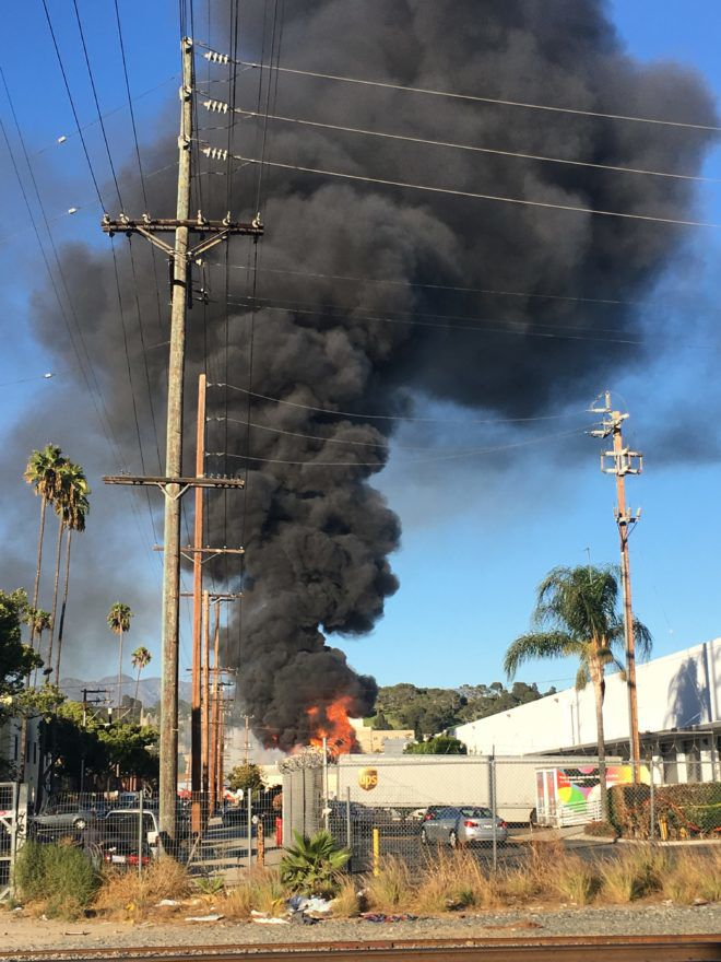 Glassell Park commercial fire generates huge plume of smoke [updated]