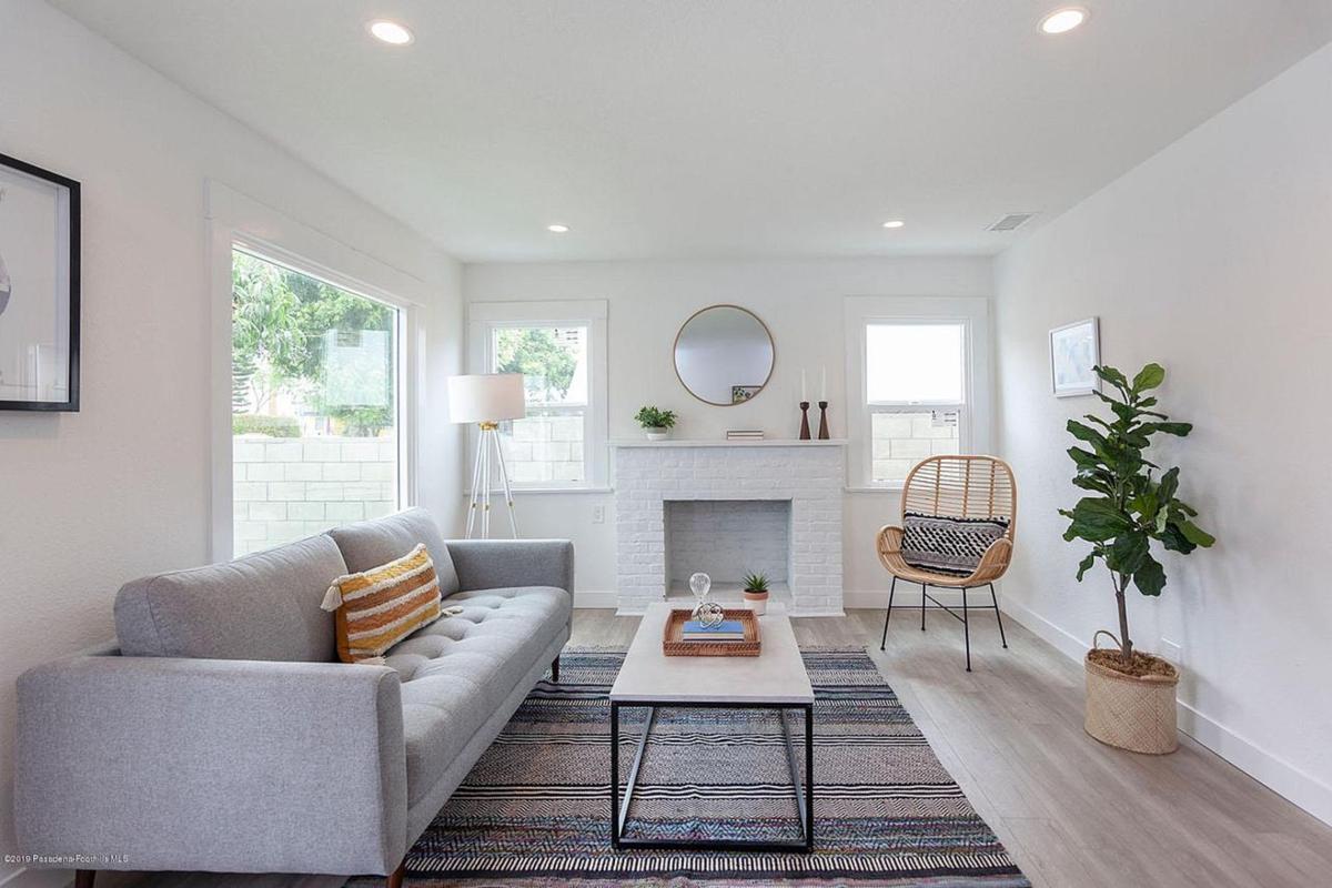 living room 1800.jpg