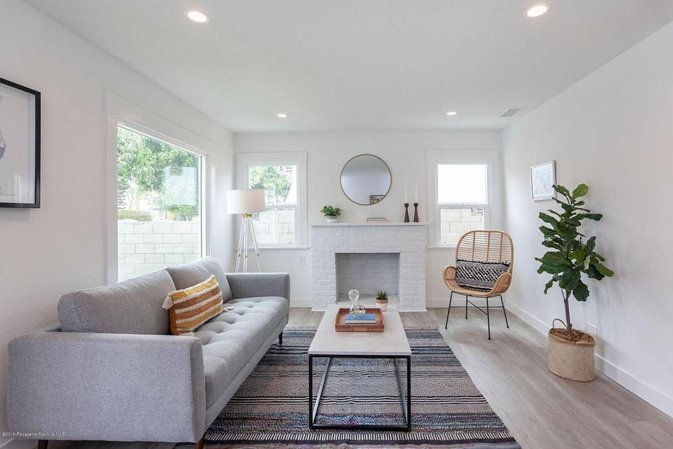 1920s Bungalow with Plenty of Living Space in a Central Los Angeles Location