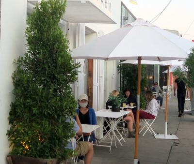 Outdoor dining in Echo Park during pandemic