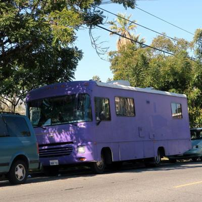 Purple bus and other live-in vehicles face eviction from Echo Park Lake