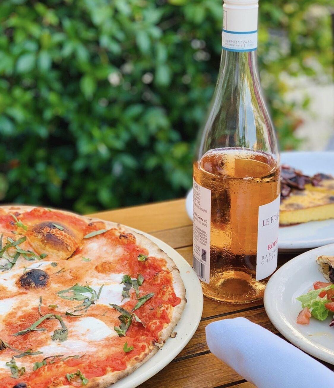 Farfalla's Pizza.jpg