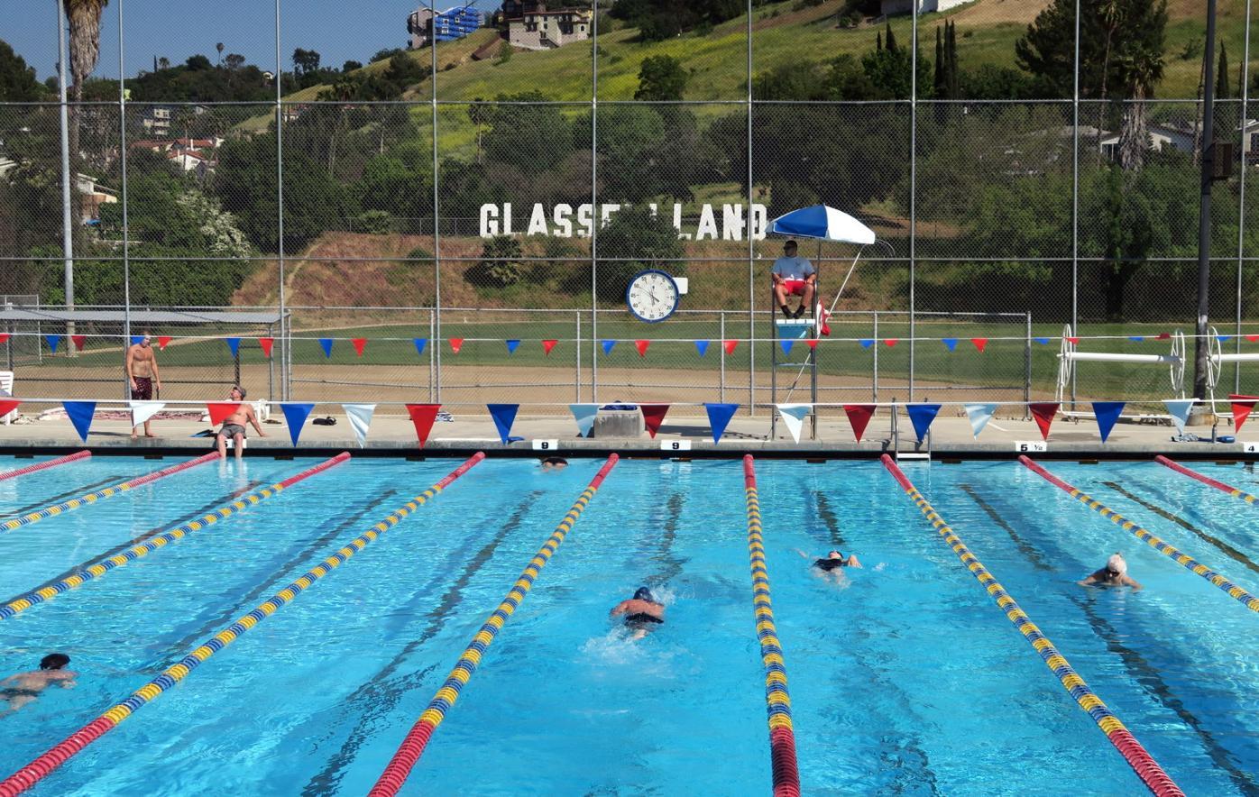 Swimming in Glassellland