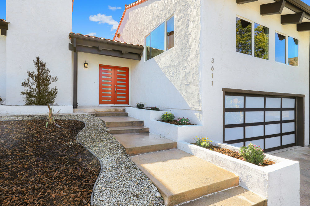 An immaculate, renovated view home in Glassell Park-Mt.Washington