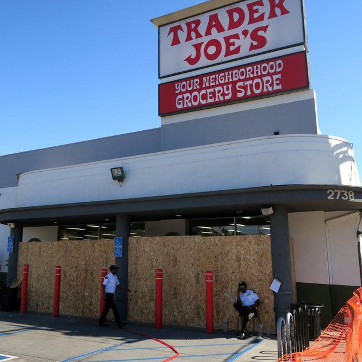 Silver Lake Trader Joe's customers and employees recount