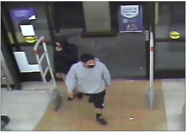 Rite Aid Shooting suspect grey. Courtesy LAPD.png