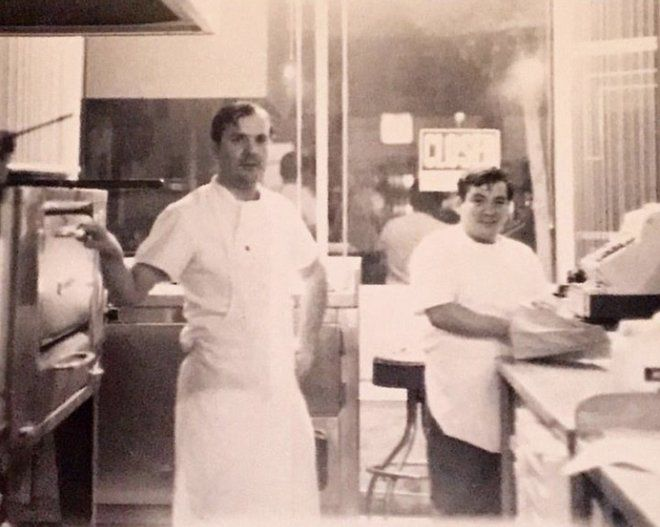 Highland Park restaurants have come and gone but Folliero's pizzeria has endured for 50 years