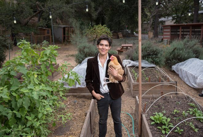 Lincoln Heights urban gardener using his green thumb to restore an Occidental College hillside