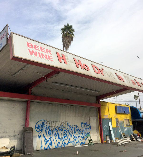 Echo Park drive-in market to be demolished for parking lifts