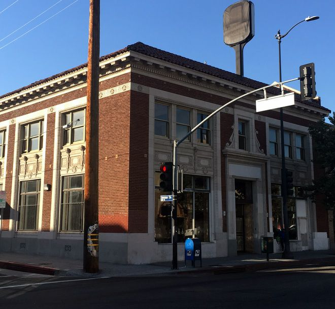 Highland Park City Hall remains in limbo as previous owner tries to force city to give it up