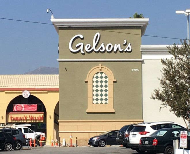 Gelson's on Hyperion celebrates revamp while Starbucks now serving next door