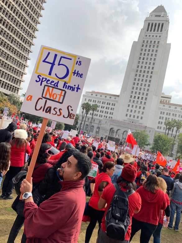 Big crowds and bagpipes on Day 5 of L.A. teachers' strike