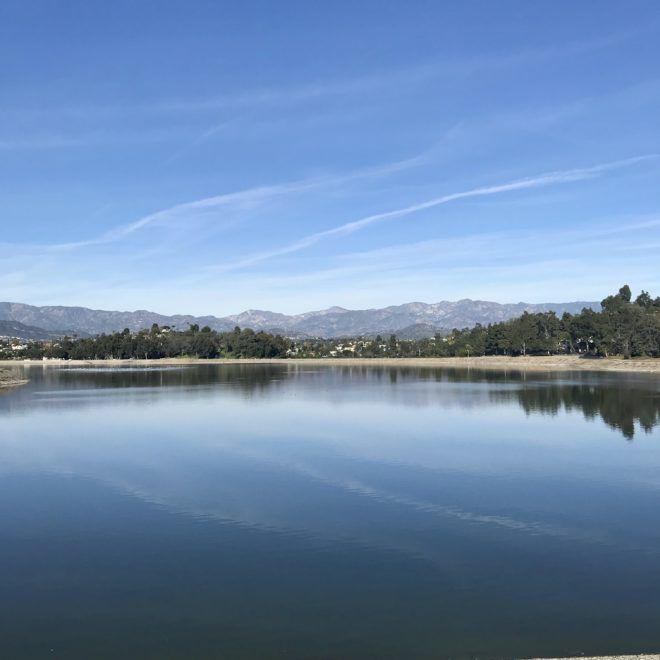 Scenes & Sightings: Blue skies over Silver Lake,  lemon giveaway in Highland Park