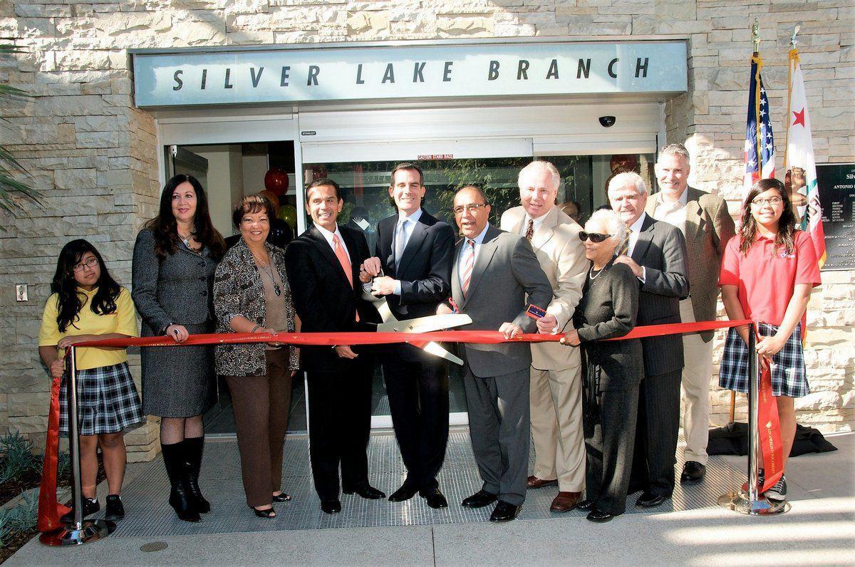 2009 Silver Lake Library Ribbon Cutting