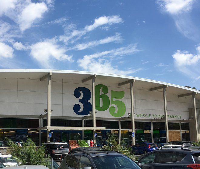 What's in store for the Whole Foods 365 market in Silver Lake?
