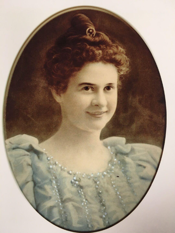 Lillian Fellows Burdett