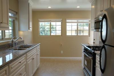 For Rent: Pristine Modern Renovated Freestanding Home w/Front Yard in Angelino Heights