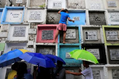 PHILIPPINES-CEMETERIES-ALL-SOULS