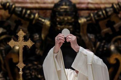 POPE-CORPUS-CHRISTI