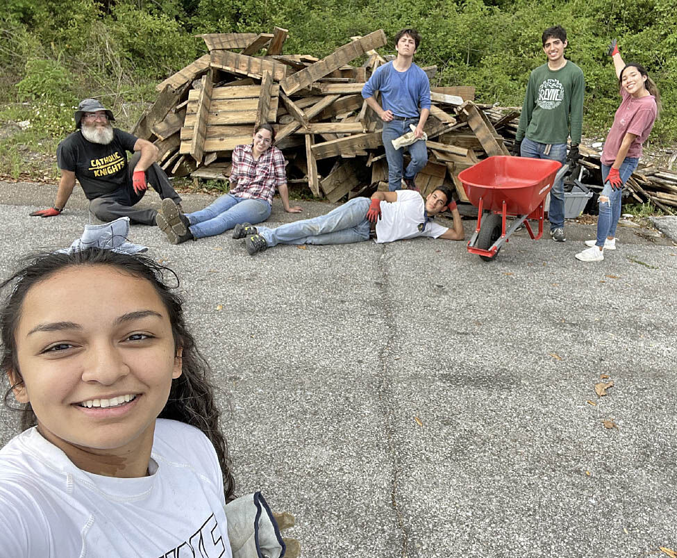 Students from UCF Catholic Campus Ministry spend their Spring Break giving of themselves, helping others in Panama City, April 11-217. (COURTESY)