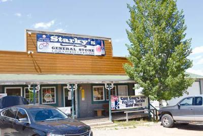Starky's storefront