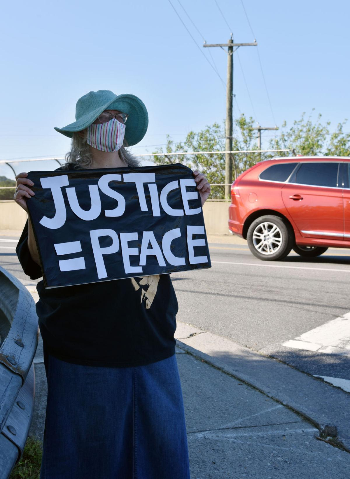 Susan Mead, protest