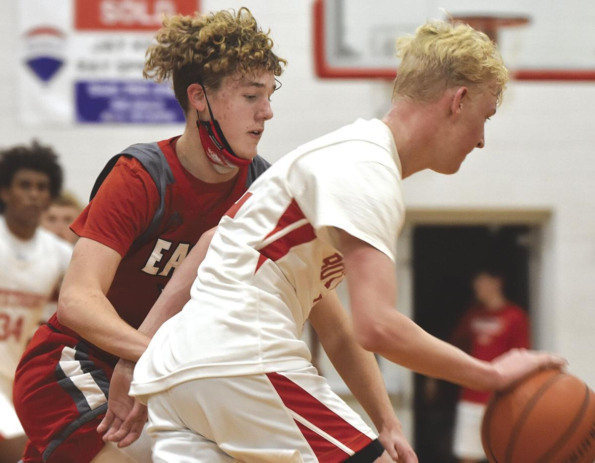 Cavaliers cruise behind second-stanza surge
