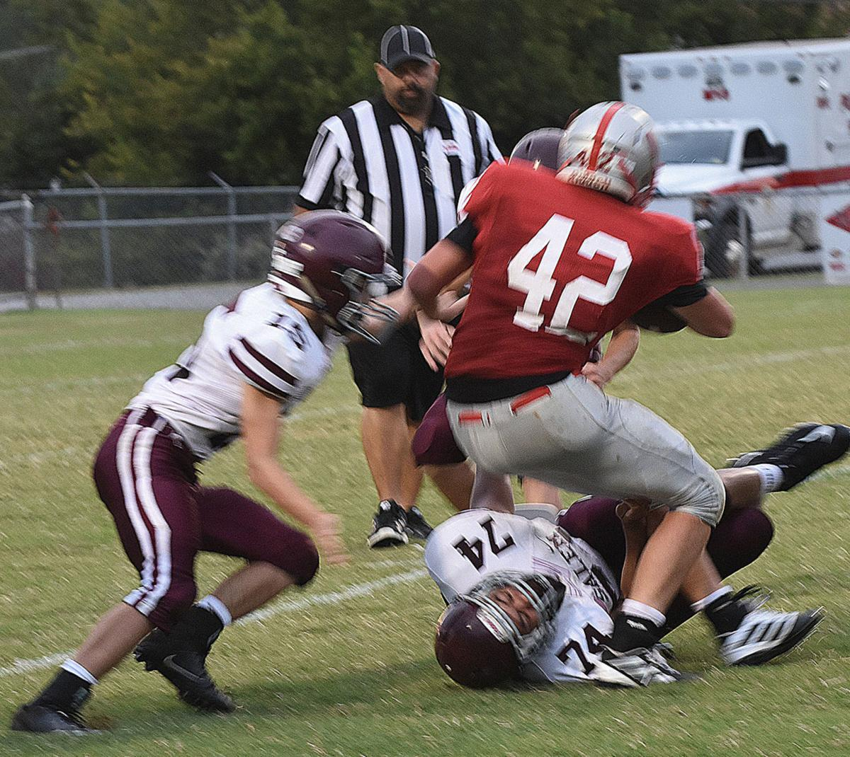 Davis scores four touchdowns in two-point win over Salem