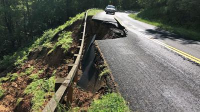 Parkway collapse mm 128