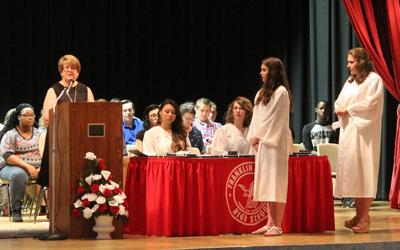 Seniors receive awards for academic excellence