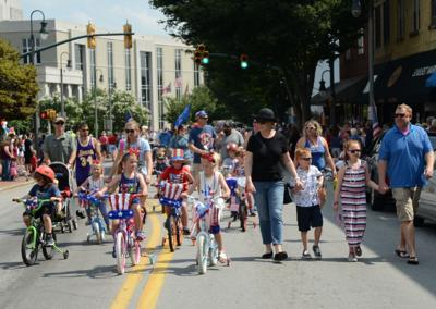 Kids on Main July fourth parade waynesville