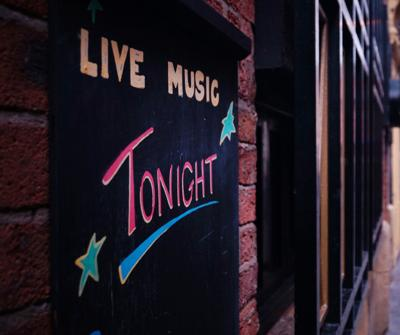 live music tonight