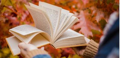 Fall into a story: storytelling at library