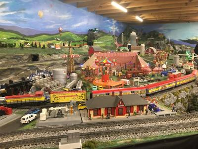 Lionel Trains: Christmas in a Caboose