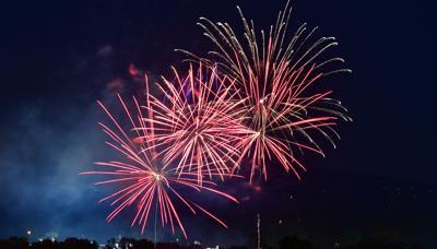 hendersonville fireworks-2020-2.jpeg
