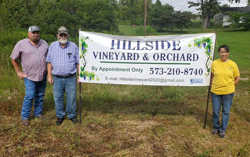 WASHINGTON COUNTY FARM BUREAU PRESIDENT JIM REED VISITED HILLISIDE VINEYARD & ORCHARD 9/10/2020