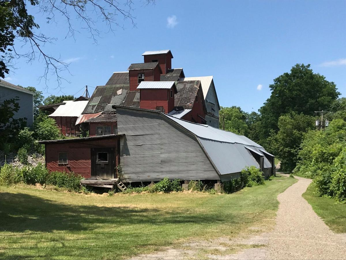 State eyes visitors center for site of demolished beanery
