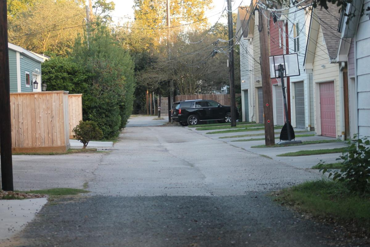 IMG_3174–CP (with kicker at bottom of alley)